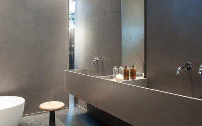 Rifare il bagno con un rivestimento in resina